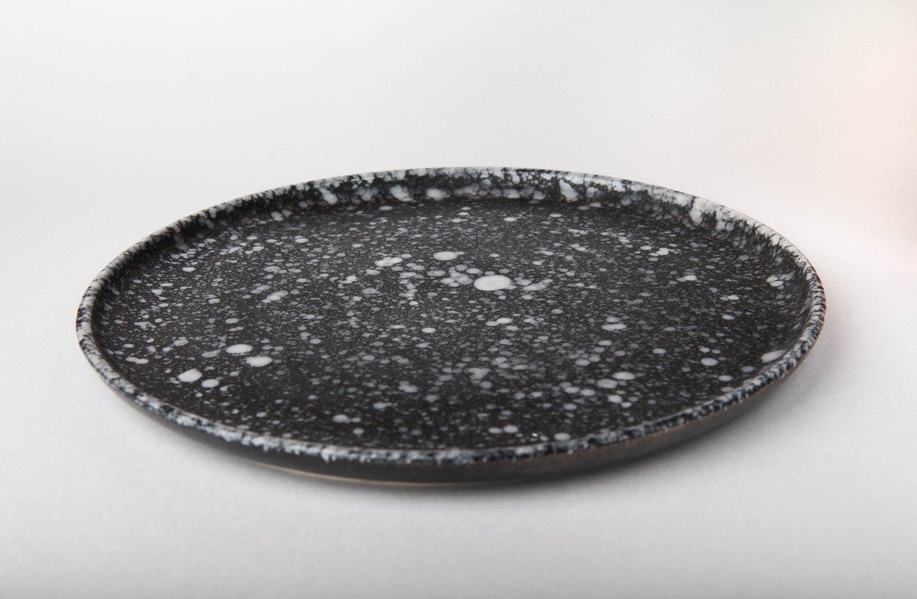 оригинальная посуда черная
